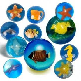 Skákavý míček z moře